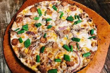 Big Kahuna's pizza 'n stuffs Hawaii