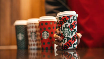 starbucks holiday drink peppermint mocha eggnog latte gingerbread coffee toasted white mocha praline brulee