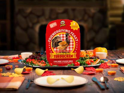 pringles kellogg thanksgiving turducken turkey chips stack cranberry pumpkin pie