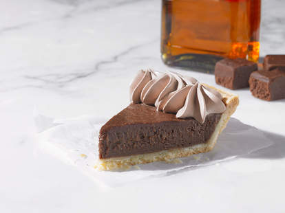 popeyes bourbon fudge pie new chocolate
