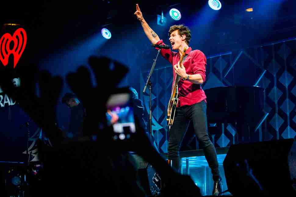 Jingle ball shawn mendes