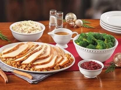 denny's dennys thanksgiving feast dinner food