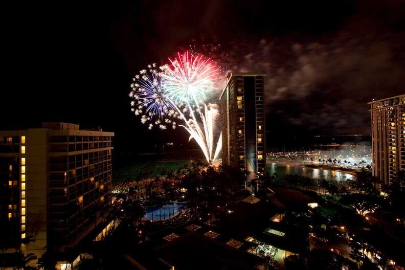 Hilton Hawaiian Village Waikiki Beach Resort New Year's Eve fireworks