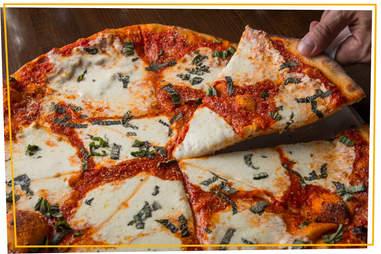 Deninos Pizzeria & Tavern