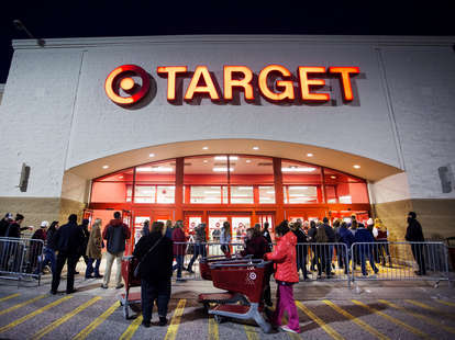 black friday retailers shopping deals