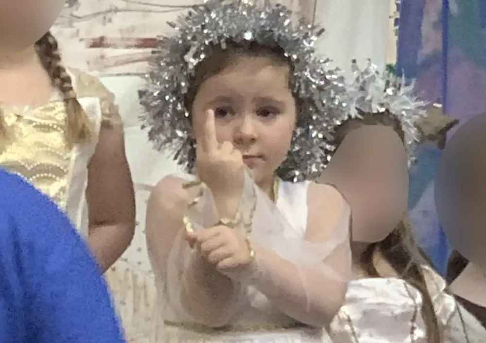 5-Year-Old Nativity Scene Actor Gives Audience the Middle Finger for 20 Minutes