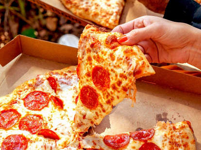little caesars pizza hot-n-ready delivery