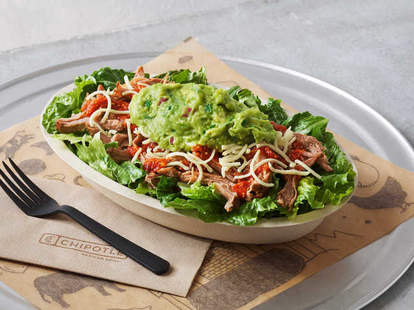 chipotle keto bowl with lettuce
