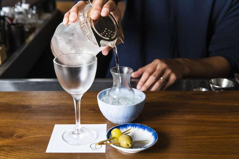 Bar goto martini