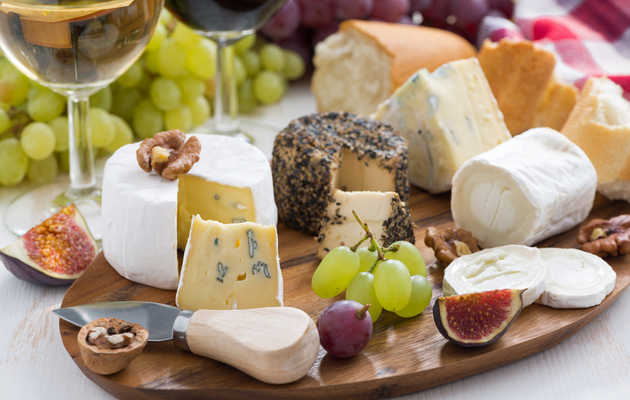 Everywhere You Can Get Free & Cheap Food for National Cheese Lover's Day