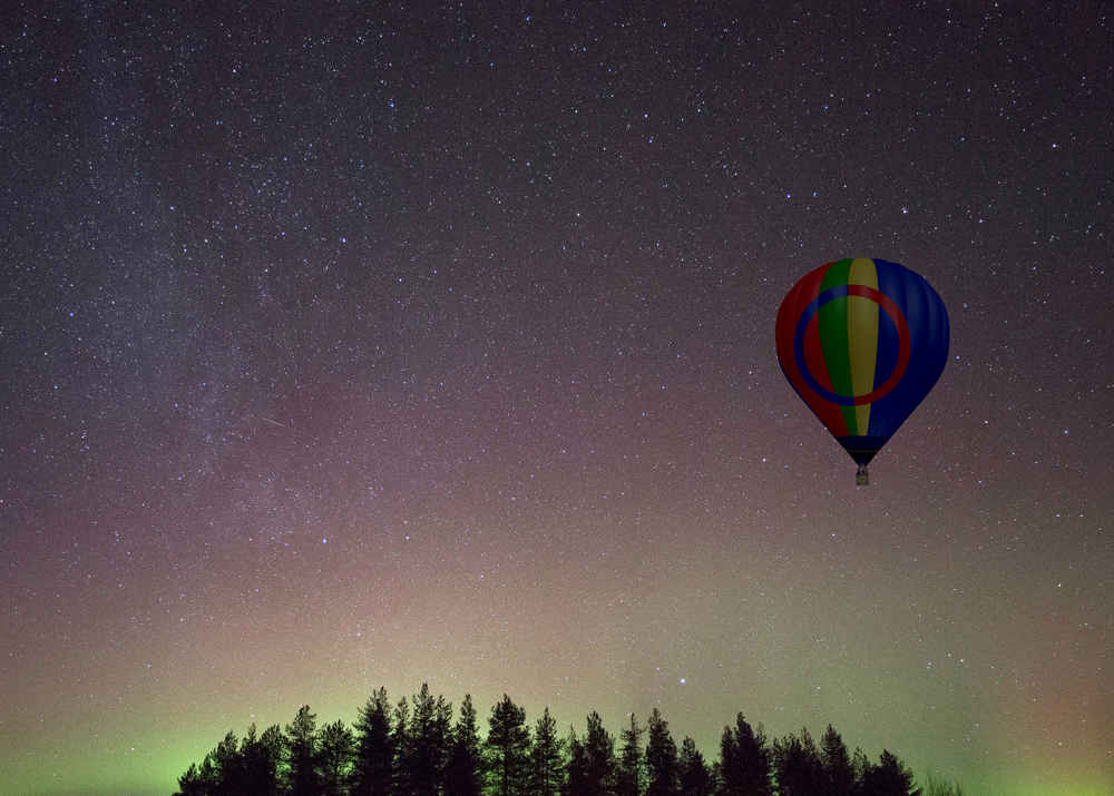 This New Hot Air Balloon Ride Shows You the Northern Lights From the Sky