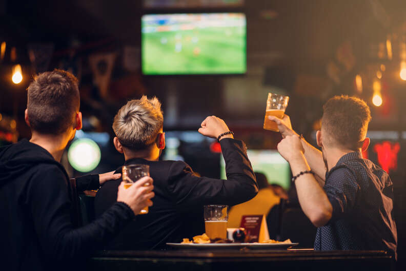 sports bar fans