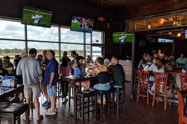vincent's sports pub