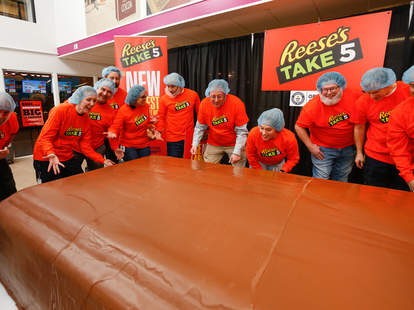 reese's take five candy bar world record guinness book snickers