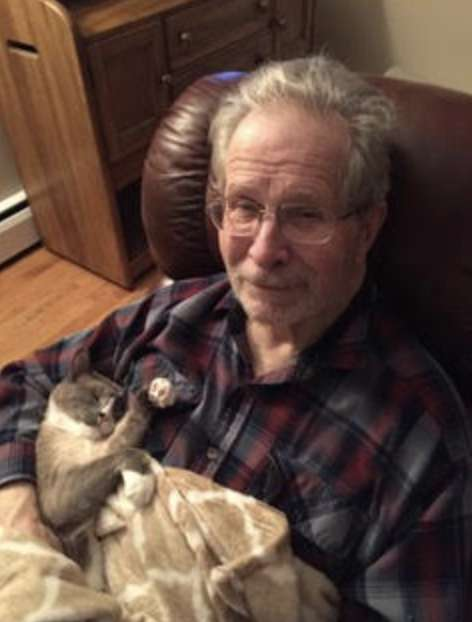 Cat Helps Man with Alzheimer's Disease