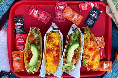 del tacos taco value crunchy beef cheese lettuce hot sauce best ranking