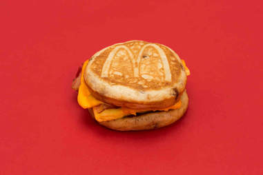 bacon egg and cheese mcgriddle mcdonalds