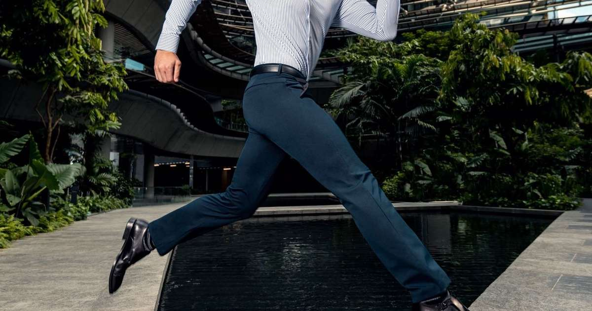 These Super-Comfy, Wrinkle-Proof Pants Are a Must-Have for Any Frequent Traveler