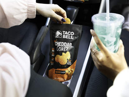cheddar cheese crisps crisp taco bell fire mild nacho cheesy snack crunchy grocery store chips bags