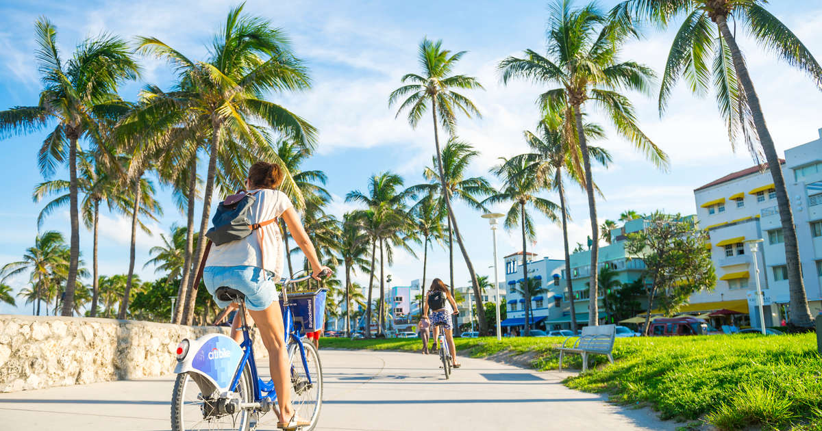 Skip Town This Weekend With These Last-Minute Flight, Hotel, & Car Rental Deals