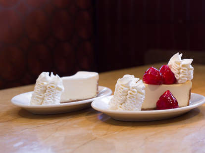 free cheesecake factory