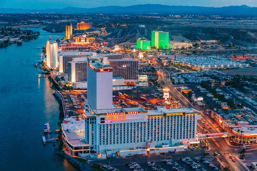 Things To Do In Laughlin Nevada Best Casinos Restaurants More Thrillist
