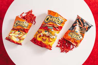 flamin' hot cheetos spicy cheesy chips