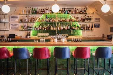 mister paradise bar