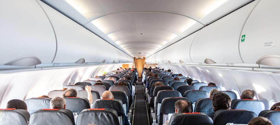 How to Fly As Safely As Possible During the COVID-19 Outbreak