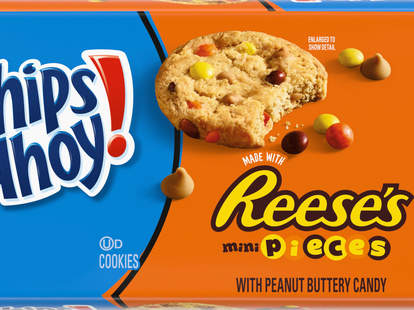 chips ahoy cookies chocolate chip reese's pieces peanut butter hershey's new grocery stores