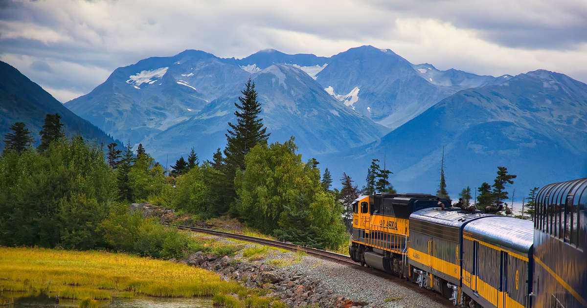 Catch the Northern Lights On this Gorgeous Alaskan Train Journey