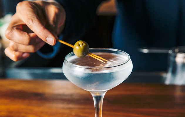 The Definitive Guide to Mixing a Dirty Martini