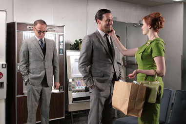 guy walks into an advertising agency mad men
