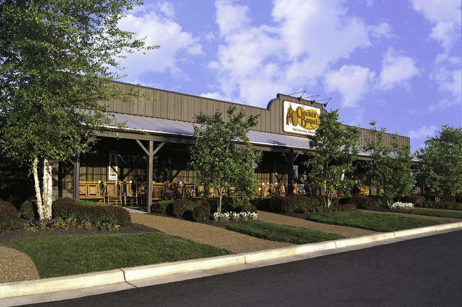 Cracker Barrel Is Starting to Serve Alcohol for the First Time