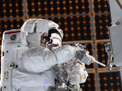 NASA spacewalk stream