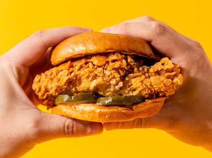 free popeyes chicken sandwich