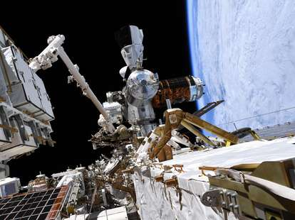 spacewalk crew dragon ISS image