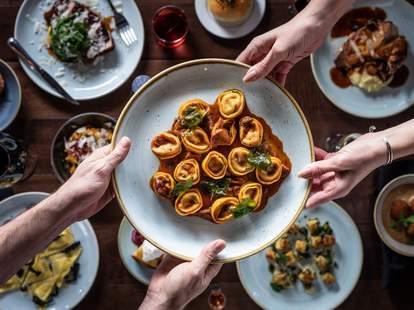 Restaurant Olivia plates