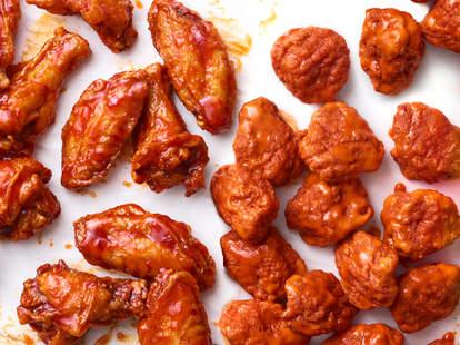 applebee's national chicken wing day deals