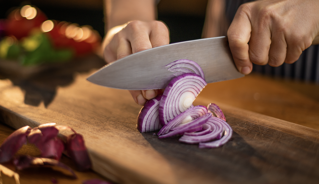 The Onion Recall Has Expanded & Now Includes Trader Joe's, Walmart & More