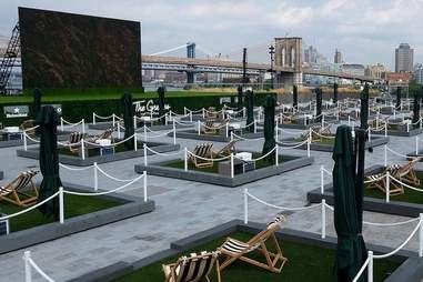 The Greens rooftop seating at Pier 17