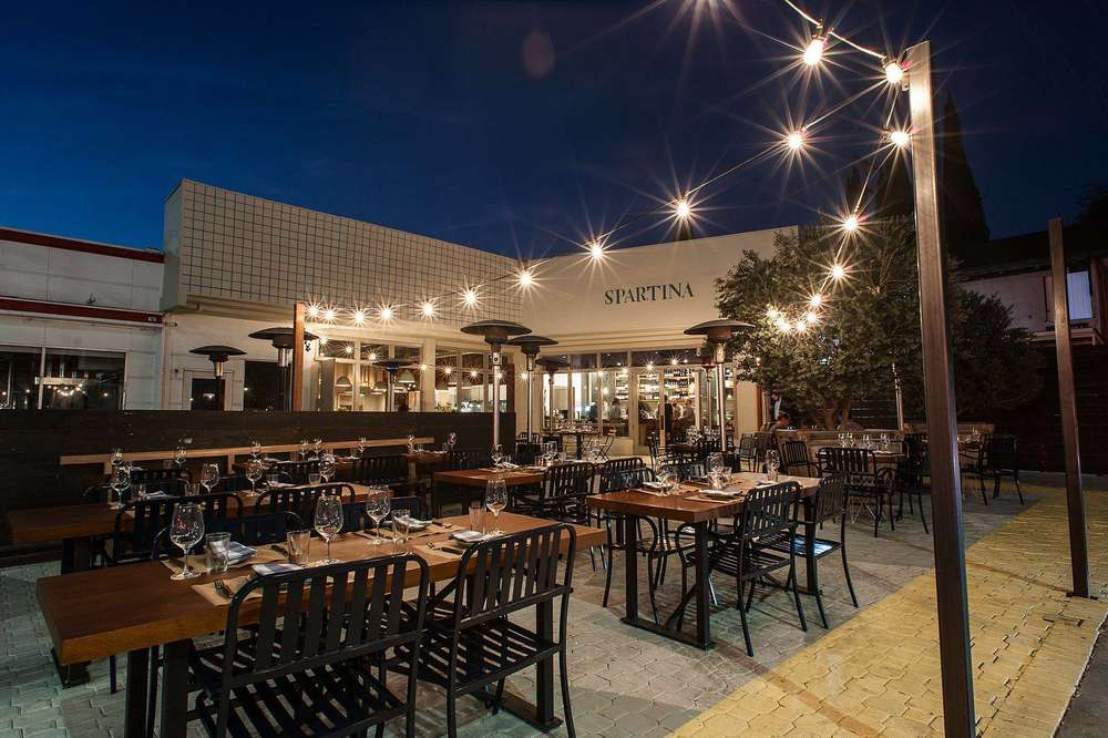 Best Outdoor Restaurants In La Good Places To Eat Outside Right Now Thrillist