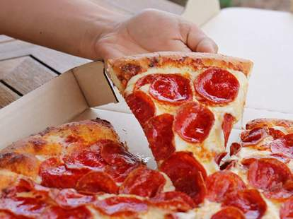 Pizza Hut Closing 300 Store Locations What You Need To Know Now Thrillist