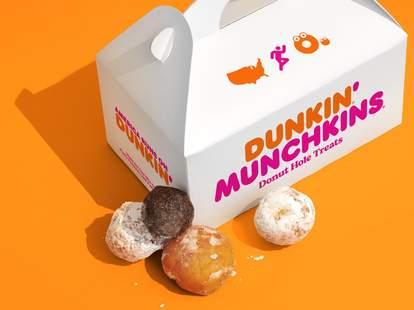 dunkin' free munchkins
