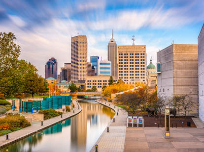 indianapolis canal and skyline