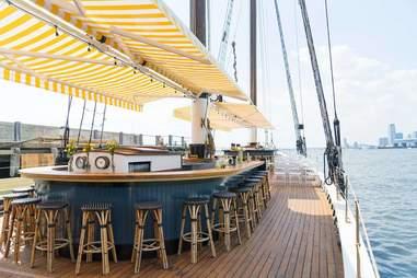Pilot boat restaurant