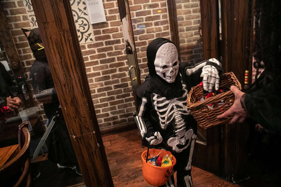 The CDC Recommends You Don't Go Trick-or-Treating This Year