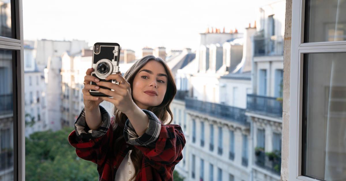 Emily In Paris Review Explaining The Ending Breaking Down The Season Thrillist