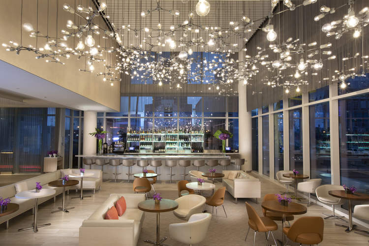 Ellie's Restaurant & Lounge