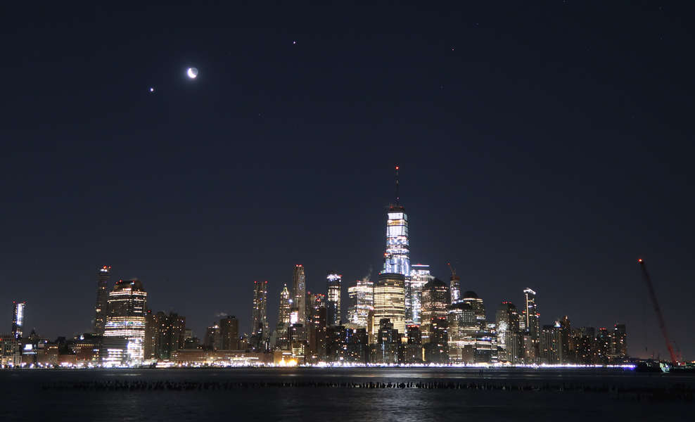 The Moon and Venus Will Have a Close Encounter. Here's How to See It.